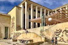 名声在外的艺术家赵无极,有此机会难得看到大量被法国政府收藏的精品。巴黎市现代艺术博物馆(法语:Mus