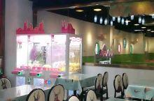 南宁麦族室内动物园的动物餐厅