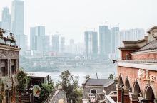 弹子石长嘉汇,南岸起风景 相比冷门的龙门浩和米市街,长嘉汇弹子石老街就显得有人气多了。同样是修旧