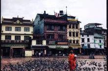 佛国时光  在加德满都的旅行,是一次朝圣之旅。虽不是佛家信徒,但也心怀诚意的行走在这既市井亦神圣的国