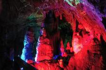 杭州临安瑞晶石花洞,地方有点偏,可以很好的错过五一人流高峰,拍出来的照片美轮美奂,暑天旅游还可以消暑