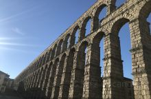 塞哥维亚(西班牙语:Segovia) 是一座西班牙城市,也是卡斯蒂利亚-莱昂自治区塞哥维亚省的省会,