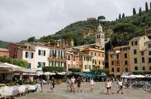 菲诺港~ 意大利热那亚省利古里亚的一个小渔村,2009年人口493人[偷笑][偷笑] 人口密度189