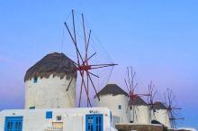 一旦您在米科诺斯岛,这里就是必须去的地方  我们入住米科诺斯岛位于海滨旁的酒店,步行即可抵达海港风车