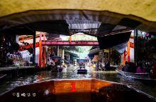泰国旅行|体验一回水上集市的风情~ 丹嫩沙多水上集市,一般称为曼谷水上集市,是一个比较有当地特色的集