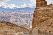 初入#札达土林#仿佛时空错乱到了青海戈壁,其实这是雪域高原曾经的古格王朝所在地。 土林是远古受造山运