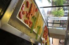 库拉玛蒂岛的基本套餐是包括三餐的,早餐还是比较丰富的。