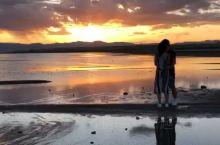 来自地球另外一端的晨曦……6点钟的太阳光芒四射,看着想不浪漫亦不行……美国盐湖城一个让你不得不早起的