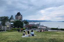 魁北克古城,是整个加拿大最美的小镇,到处弥漫着18世纪法兰西的气息。带上心爱的人,在这里住上两天,忘