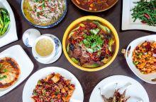 荷兰阿姆斯特丹旅游,水坝广场,皇宫,杜莎夫人蜡像馆附近有一家很有名的中餐馆,名字叫福禄中餐厅,上次去