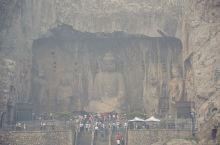 洛阳 | 龙门石窟  中国三大石窟,分别是莫高窟、云冈石窟和龙门石窟。均是5A级景点。  其中云岗石