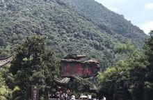 江西省内最刺激的漂流之地,听说有很多人从此落下了对漂流阴影,等小屁孩大了,一定要带老婆去体验一次,争