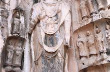 【龙门石窟】  龙门石窟是皇家贵族发愿造像最集中的地方,历经东西魏、北齐、北周、隋唐、大宋等朝代连续