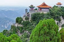 珏山——中国赏月名山 山不在高,有仙则名。珏山吐月,自古闻名。早在东汉就被开辟为道场,灵官顶香火鼎盛