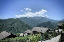 云端上的古村落