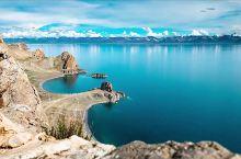 湖岸被自然的鬼斧神工雕刻成心形湖湾