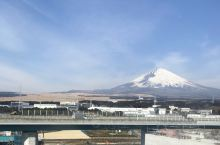 富士山真的很美,尤其远观就更漂亮了。忍野八海有点失望,可能是因为我去过九寨沟了吧。以及终于到了我们行
