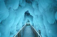 来山西云丘山旅行,真是没想到,在如此苍翠的山里还藏有这样一处大型冰洞。据专家考证,这处冰洞群距今已有