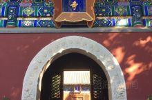 """阐福寺,位于北海公园西北角,原为明代""""太素殿""""旧址,清乾隆十一年(1746)乾隆御旨改为佛殿,仿正定"""