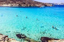 科米诺岛(Comino),马耳他第3大岛屿,距离马耳他岛不远。 据说岛上只有3位居民,岛上很原生态,