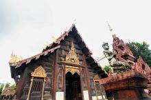 """有着""""祈福圣地""""之称的盼道寺 盼道寺又名柚木寺,是一座在大佛塔寺斜对面的寺庙。寺里有一座巨大、古老的"""