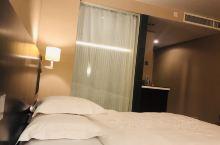 圣廷苑酒店世纪楼,每年展会都入住,到展馆方便。现在有1588元3晚的团券,到今年年底前有效,大床双床