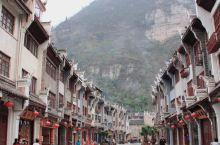"""它被称为""""中国的威尼斯"""",可我不这么认为 #秋游季# 青山环绕,舞阳河怀抱而居,贵州黔东南的镇远古镇"""