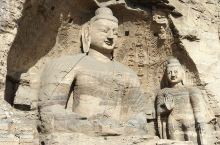 云岗石窟,中国四大石窟之一,也是唯一的皇家主持开凿的石窟。佛教艺术宝库。