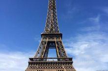 法国巴黎埃菲尔铁塔随拍。