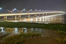 瑞安外滩位于浙江省第三大江——飞云江北岸,临江朝南,是一个集防洪防汛、城市道路、旧城改造和新区开发为
