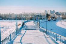 俄罗斯风情街 一网打尽」 在寒冷的伊市 你能体验到典型西伯利亚城市人生活的特性 又能有着工业城市的发