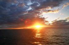 """来,跟着我们一起,乘船从日本.北海道,""""小樽 ~ 新泻 """"的轮渡,在海上,看最美日出! 新泻·新潟县"""