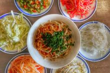 麦籽泡馍 澄城县的著名小吃,一是水盆羊肉,另一个就是麦籽泡馍。 澄城县地处黄土高坡与关中平原的连接处