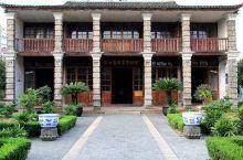玉海楼坐落在浙江省瑞安古城东北隅,是中国东南的著名藏书楼之一。玉海楼含孙诒让故居和百晋斋,原占地面积