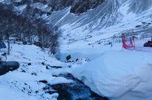 长白山北坡景区 长白山北坡位于延边朝鲜族自治州安图县二道白河镇的东南部区域的长白山北麓,境内地势险峻