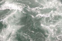 都江堰的水。