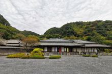 仙岩园建于1658年(万治元年),由统治鹿儿岛县的前身萨摩藩第19代藩主岛津光久建造的别墅庭园,之后