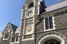基督城的地震遗迹到处都是 近一百七十年历史的基督学院,导游说:基督城遭受地震后,也就这一个景点可以看