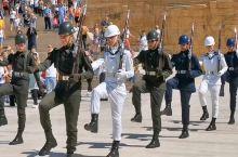 土耳其首都安卡拉的穆斯塔法·凯末尔·阿塔土克 国父纪念馆换岗仪式,帅不帅?有个细节很感人,卫兵换岗之