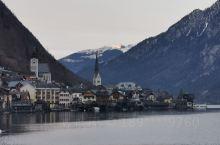 """哈尔施塔特(奥地利) 位于哈尔施塔特湖湖畔,被称作""""世界古老的盐都"""",也是奥地利最美的小镇之一;19"""