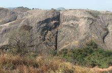 """清远马头山著名景点:吸水神象。大自然鬼斧神工,把岩壁雕刻成像,""""象""""与""""祥""""谐音,所以,这也是大自然"""