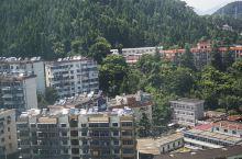 酒店外景白天和夜景,昔日的小县城如此了不起