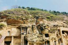 北石窟寺 观赏骑象的菩萨雕像