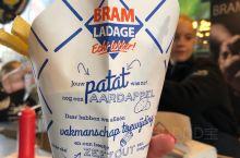 荷兰国民小吃patat,到了鹿特丹markthal看到有摊位卖,赶紧尝试下~不过欧洲一路好像好几个地