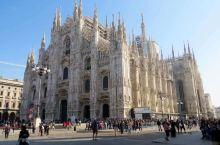米兰印象。  我对米兰的印象,主要是两个方面,一个是以米兰时装周代表的服装时尚,第二个是以米兰大教堂