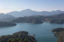 日月潭慈恩塔俯瞰整个日月潭 站在1000米海拔的慈恩塔看着日月潭是多么的漂亮 台湾大陆两岸一家亲欢迎