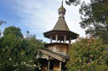 汉密尔顿花园俄罗斯原木钟塔