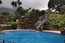 原计划明天上午第二次泡Tabacon温泉,今天入住了Los Lagos Hotel,网上选的,价格三
