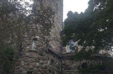 安娜堡(密歇根大学),巨大的古堡,暗灰色的石头外墙让人感受到了漫长时光的痕迹!