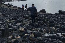 加利利湖边捡圣石